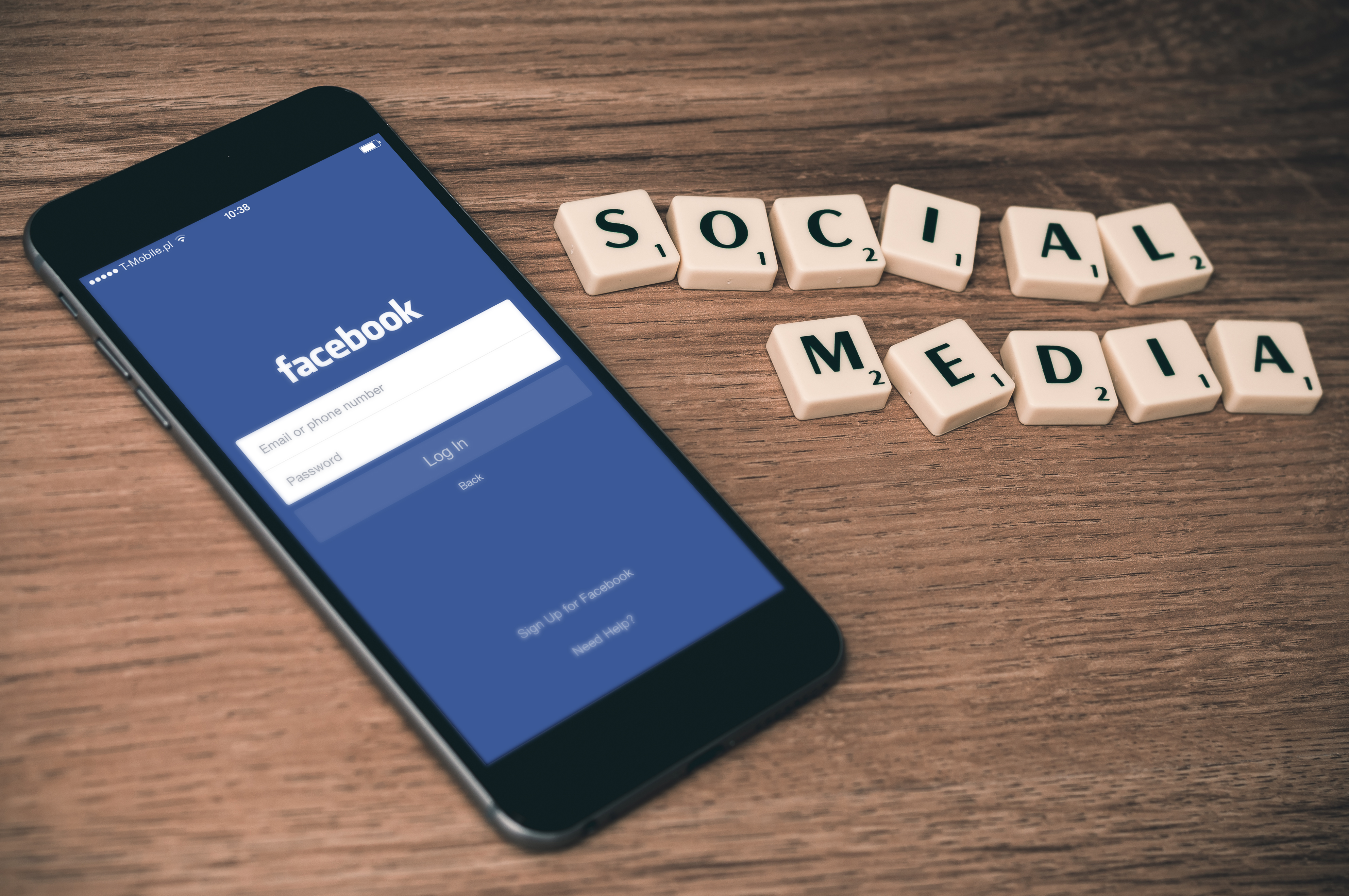 Using social networks for Jewish education
